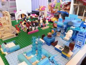 Lego Yeti Minifigure House