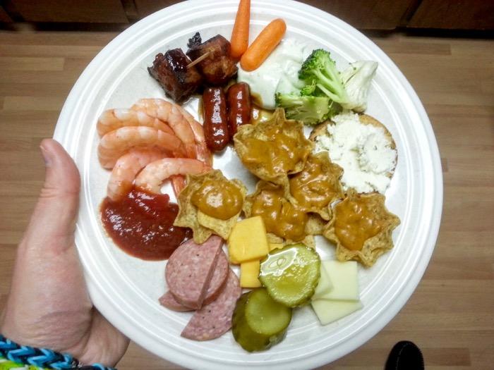 Christmas Picnic dinner plate