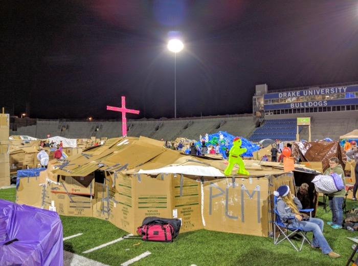 cardboard-home-at-reggies-sleepout